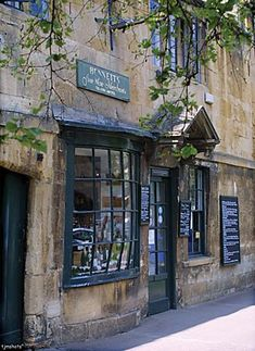 Local Wine Merchant, Chipping Campden, The Cotswolds, Gloucestershire - photo by Terry J Morgan