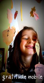 Twig and Toadstool: Autumn crafts- a gratitude mobile