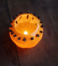 Natural clementine candles