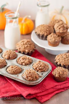 Pumpkin Gingerbread Muffins with Cinnamon Streusel
