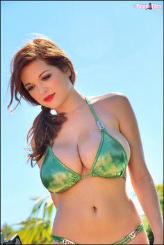 Busty bikini model Tessa Fowler - new behind the scene photos @ PF
