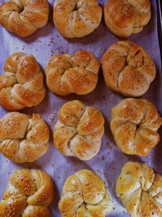 Armenian Choereg - Delicious coffee rolls with NIgella seeds. More