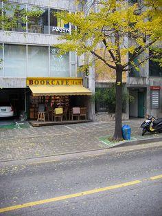 Korean coffee shop+bookshop