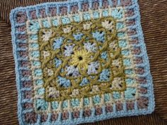 Kiss Fist Square-free pattern-by Shelby Shea