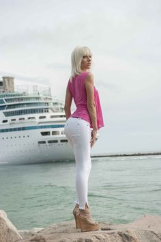 Bullet Blues Miami Chic #superskinnes #designerjeans #ultrastretchydenim #whitejeans http://bulletbluesca.com/index.php?route=product/category&path=61_72 With Jocelyne #chiffon top #madeinUSA #MiamiBeach #southbeach #SouthFlorida #MiamiChic #freeshipping @hamidkootval #photographer