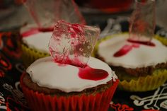 Shattered glass Halloween cupcakes!