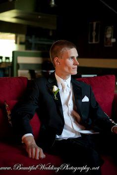groom - lighting