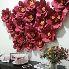 Paper flowers for wall deco.. fantastic!