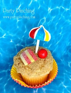 Beach Cupcakes - Party Pinching #BeachParty
