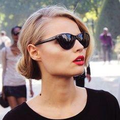 red lips & sunglasses