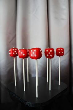 dice cake pops