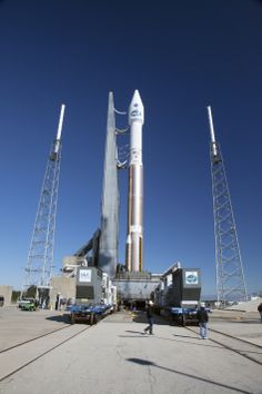 A United Launch Alliance Atlas V rocket with NASA's Tracking and Data Relay Satellite (TDRS-L) spacecraft on board arrives at the launch pad...