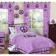 Pre-Teen girls bedroom