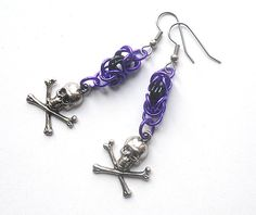 Skull and crossbones earrings Pirate jewelry by DoBatsEatCats, $12.00