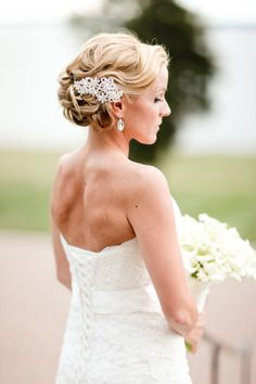 Romantic hair. Swoon. Photography by mandymayberryblog.com, Floral Design by goldengatestudio.com