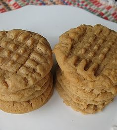 Peanut Butter Cookies: Soft and Chewy