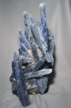 Blue Kyanite (Throat Chakra) : Blue kyanite helps open psychic ability, enhances telepathic communication, assists in lucid dreaming. Combines well with green kyanite to open the heart chakra. The fan like clusters or blades that are formed by kyanite make it an ideal stone for restoring energy balance. It is a very effective energy conduit that can balance most systems of the body. It can quickly create stillness and tranquility, making it an excellent stone for meditation.