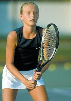 Neat picture of Maria Sharapova from 2001.