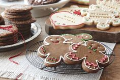 A cookie exchange would be a fun way to engage everyone at work. (Also a good excuse to eat lots of cookies!!!) kl
