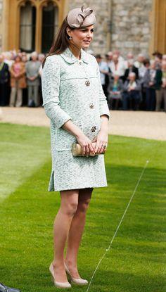 Kate Middleton's maternity style classic and chic. #maternity #katemiddleton