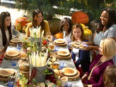 Host A Casual Thanksgiving Brunch : Decorating : Home & Garden Television