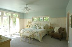 features an awning window above the bed