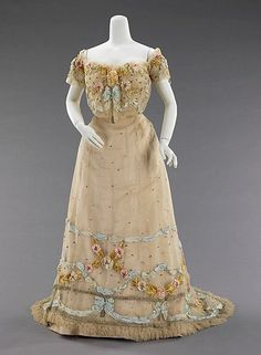 Ball Gown by Jacques Doucet, 1902, at The Metropolitan Museum of Art, via OMG That Dress!