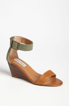 § Sandal /