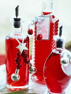 Holiday Cranberry Syrup. Click here for more homemade food gifts: http://www.midwestliving.com/food/holiday/homemade-food-gifts/page/9/0 gift ideas, homemade food gifts, drink, holiday cranberri, homemade foods, chocolate syrup, cranberries, christma, cranberri syrup