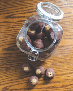 "fect"" no-bake buckeye truffles (aka chocolate & peanut butter truffl..."