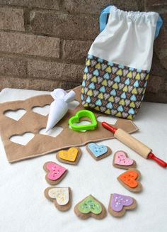 Felt heart cut out cookies... soooooo precious!