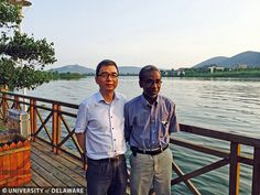Engineering dean Babatunde Ogunnaike takes a break from delivering lectures in China to enjoy the scenery with Professor Fei Liu (Dean of Institute of Automation) at a restaurant in Wuxi.