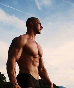 Pete Lind - sweaty muscle