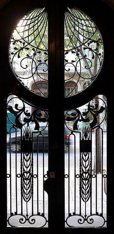 art deco in architecture, art deco doors, gates and doors, deco design, doors and gates, iron doors, barcelona spain, art nouveau, iron gates