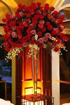 Hotel lobby floral display beauti vase, flower arrang, floral arrang, hotel lobbi, centerpiec, event, barrel, lobbi flower, beauti rose