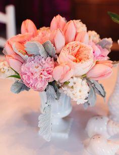 pretty pastel wedding flowers