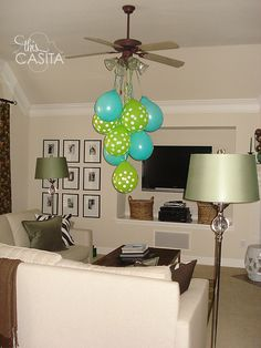 Balloon chandelier for a party.