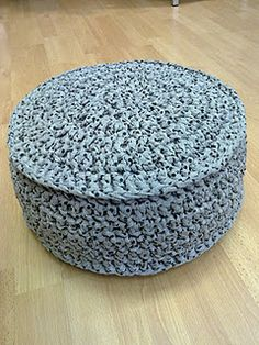 Práctico cesto de #crochet hecho con #trapillo