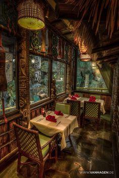 Tiki bar and restaurant