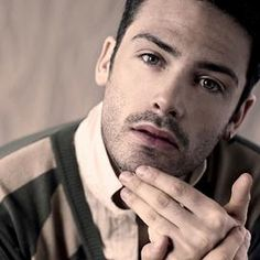 I struggled to find a good picture of David Leon. Ten times better looking on screen and with a gorgeous Geordie accent. Currently playing DS Joe Ashworth in Vera, a UK tv detective series