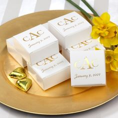 Personalized Petite Wedding Favor Box | #exclusivelyweddings