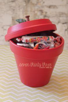 teacher crafts, back to school gifts, teacher gifts, new teachers, teachers apple
