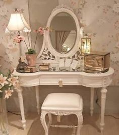 Google Image Result for http://www.dressingtable.net.au/wp-content/uploads/2010/06/French-Dressing-Table-263x300.jpg