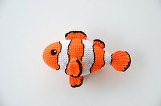 Clown Fish Pattern by Joyce Overheul