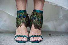 Google Image Result for http://1.bp.blogspot.com/-ddfwYLiZqEY/Tf6bBiD9FjI/AAAAAAAAAD4/OMdZrC6ciWI/s1600/Martinez-Valero-peacock-feather-sandals-wedding%2B%2525281%252529.jpg