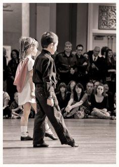 Sweet little Irish dancers ╰♣╮