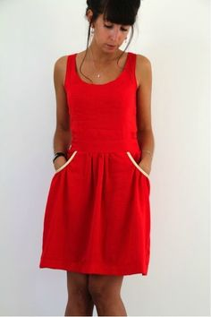 Gathered sundress - pattern runway août 2013 Red Gathering, Sundresses Red, Couture Robe, Red Par, Diy Couture, Thread Needle, Gathering Sundresses, De Diy