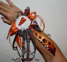 Wristlets wrist mums by KrazydayzeeCreations on Etsy, $20.00