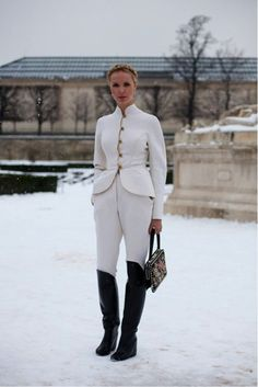 how to wear all-white