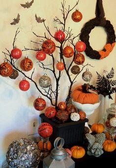 Halloween Tree Display with DIY Halloween Ball Ornaments